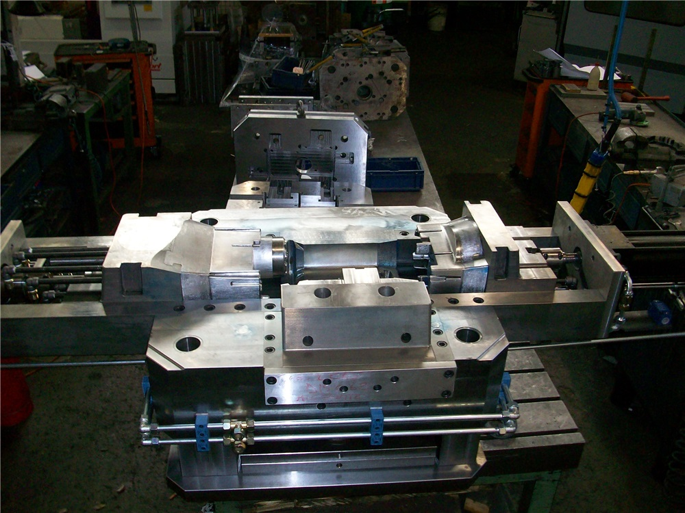 Dies for pressure die-casting and trimming dies